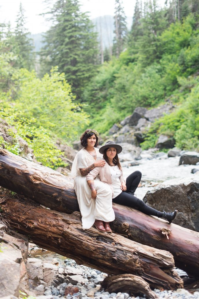 Seattle Wedding Officiants, Franklin Falls Elopement, Elope Seattle, Small wedding, Elaine Way, Jeanne Phinney Photography