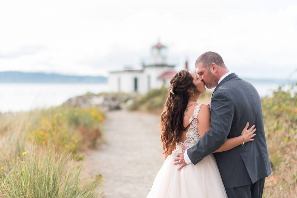 Elopement Concierge, Seattle Wedding Officiants, Elope Seattle, Jeanne Phinney Photography, Last Minute Wedding, Wedding Officiant, Small Wedding, Discovery Park Wedding