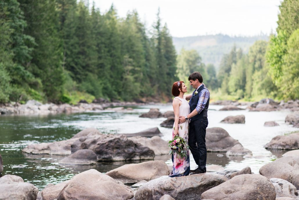 Elopement Concierge, Seattle Wedding Officiants, Elope Seattle, Jeanne Phinney Photography, Last Minute Wedding, Wedding Officiant, Small Wedding, Snoqualmie Falls, Elaine Way